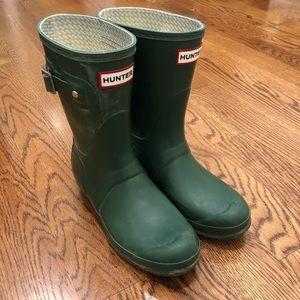 Hunter Short Rain Boots in Hunter Green